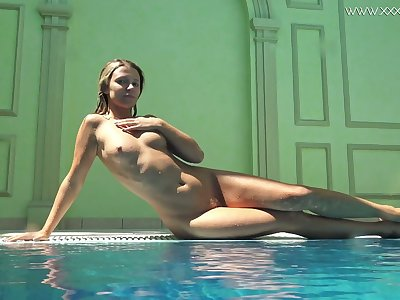 Ardent and sexy bikini girl Mary Kalisy is ready to expose her body underwater